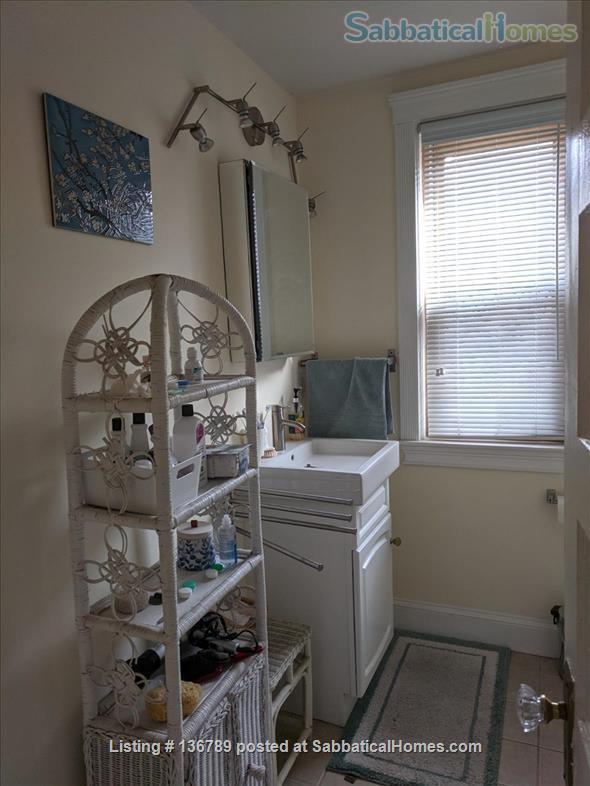 Beautiful furnished 3 BR 2 Bath duplex apt. near Harvard for summer Home Rental in Cambridge, Massachusetts, United States 5