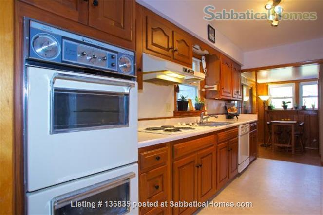 Central to enjoy all Burlington has to offer Home Rental in Burlington, Vermont, United States 2