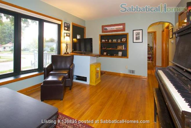 Central to enjoy all Burlington has to offer Home Rental in Burlington, Vermont, United States 4