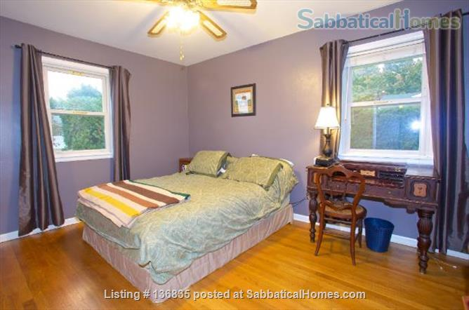 Central to enjoy all Burlington has to offer Home Rental in Burlington, Vermont, United States 5