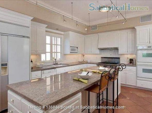 Spacious & Furnished Upper Rockridge Home for 1-year rental Home Rental in Oakland, California, United States 0