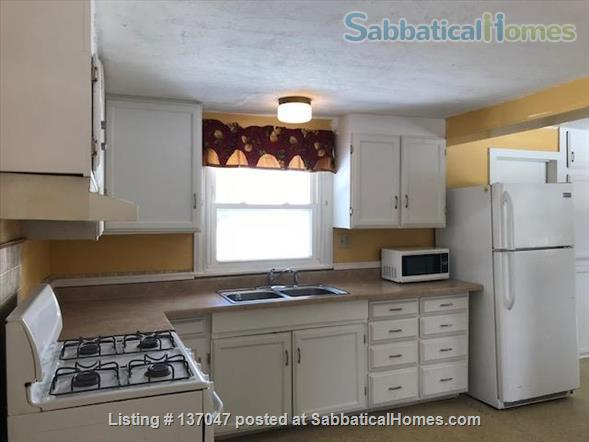 Close to everything!Fully furnished. Spacious 1550 SQF House 3BR/1.5 BA+ Office/Rec Room  Home Rental in Ithaca, New York, United States 8