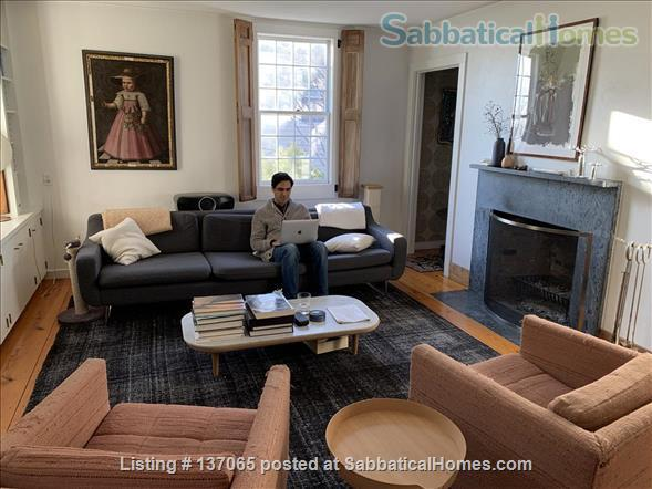 Charming Light-filled Bungalow 10 minute walk from Brown/RISD, Downtown and Train Station Home Rental in Providence, Rhode Island, United States 3