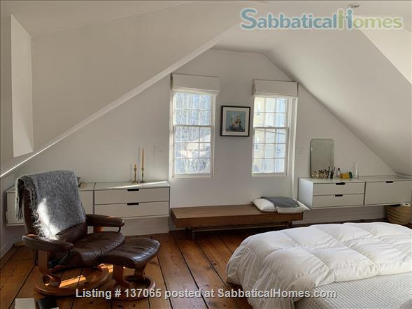 Charming Light-filled Bungalow 10 minute walk from Brown/RISD, Downtown and Train Station Home Rental in Providence, Rhode Island, United States 7