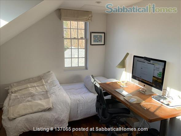 Charming Light-filled Bungalow 10 minute walk from Brown/RISD, Downtown and Train Station Home Rental in Providence, Rhode Island, United States 8