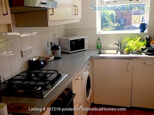 House in great location with lovely south facing outlook adjoining university playing fields. Home Rental in Cambridge, England, United Kingdom 2