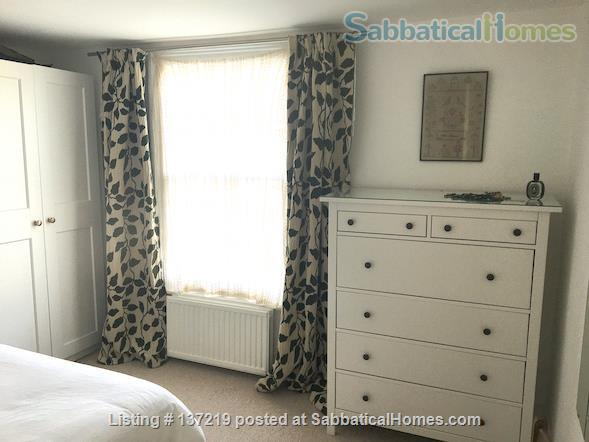 House in great location with lovely south facing outlook adjoining university playing fields. Home Rental in Cambridge, England, United Kingdom 4