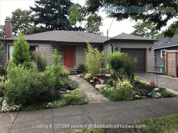Urban Wine Cellar Retreat Home Rental in Portland, Oregon, United States 7