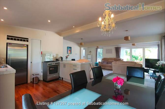 Sunny House in Henderson Valley Home Rental in Auckland, Auckland, New Zealand 7