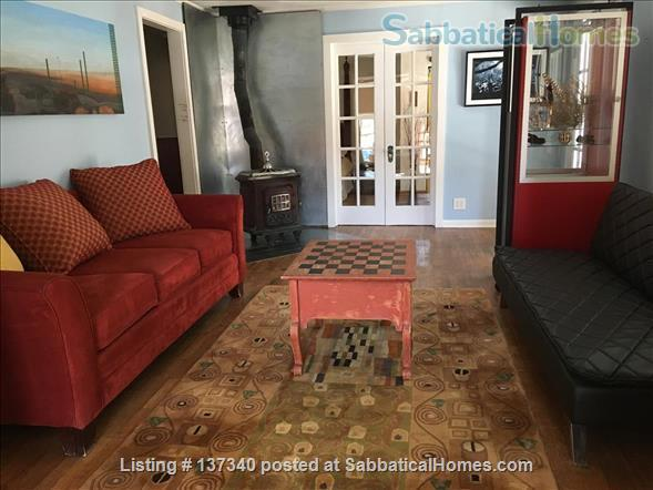 Sequester in this Artist's haven in the heart of the Colorado Rocky Mtns Home Rental in Glenwood Springs, Colorado, United States 3
