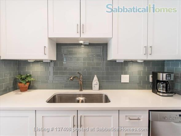 Quaint Condo on Lady Bird Lake, 3 Month Minimum Home Rental in Austin, Texas, United States 2