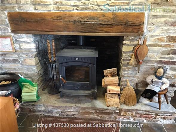 Writer's Paradise on the Wild Atlantic Way  Home Rental in Dunnycove, County Cork, Ireland 4