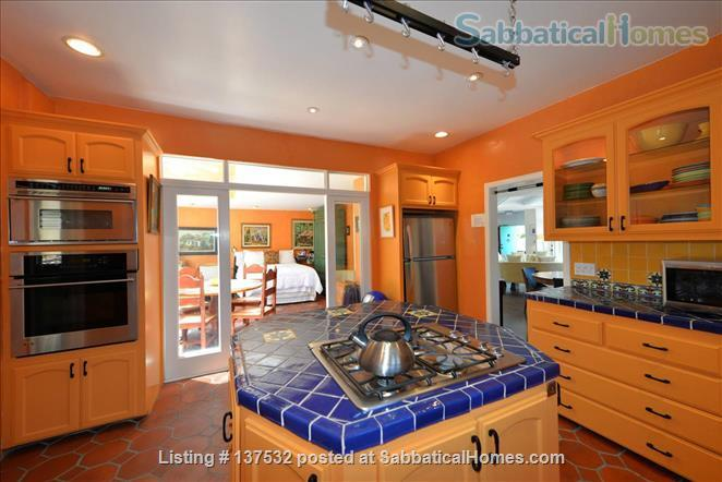 Writers Retreat on Catalina Island (off the coast of Los Angeles) Home Rental in Santa Catalina Island, California, United States 4