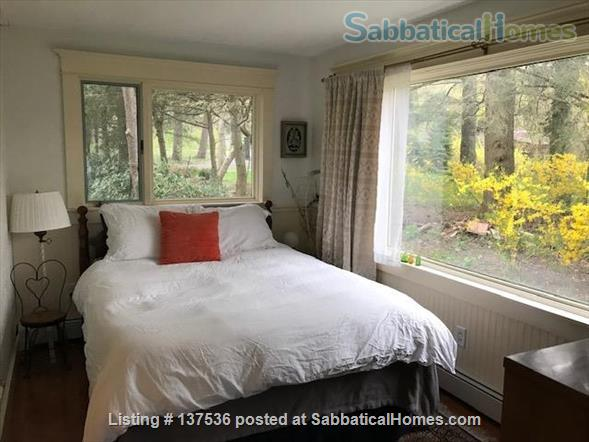 Three Bedroom Ranch in Cayuga Heights Overlooking Sunset Park Home Rental in Ithaca, New York, United States 8