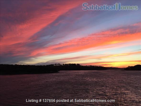 Private ON the water. World's End sunsets. 30 min Ferry to Boston. Home Rental in Hull, Massachusetts, United States 8