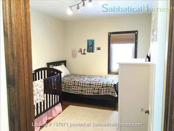 East York - Large detached  4 bedroom century home, child friendly Home Rental in Toronto, Ontario, Canada 7