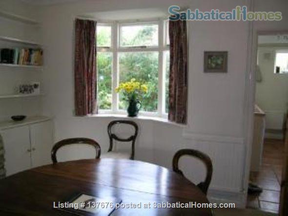 Elegant Cottage in Oxford Home Rental in Oxford, England, United Kingdom 2