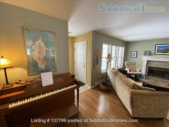 Beautiful Furnished House Close to University of Vermont Home Rental in South Burlington 0