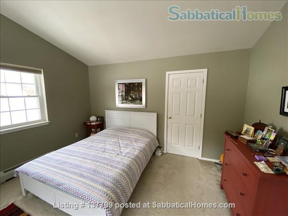 Beautiful Furnished House Close to University of Vermont Home Rental in South Burlington 6