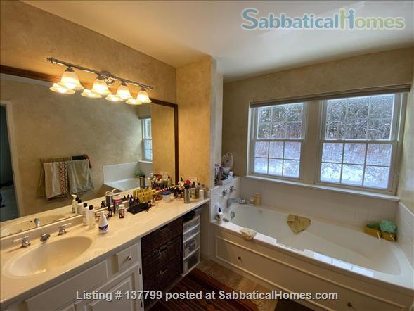 Beautiful Furnished House Close to University of Vermont Home Rental in South Burlington 8