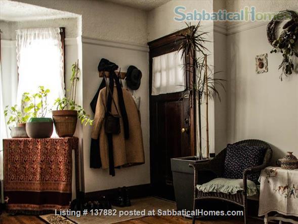 Large 2-bedroom Apartment in  Bloor West Village Home Rental in Toronto 5