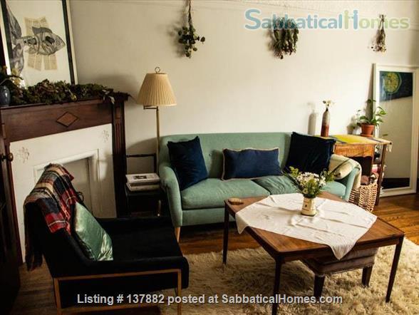 Large 2-bedroom Apartment in  Bloor West Village Home Rental in Toronto 3