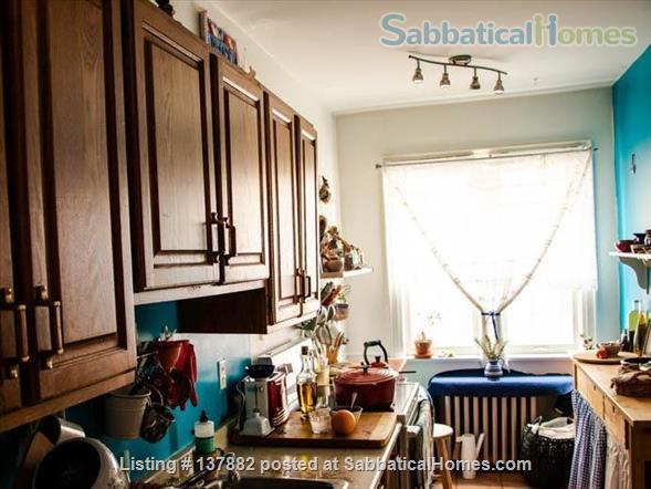 Large 2-bedroom Apartment in  Bloor West Village Home Rental in Toronto 2