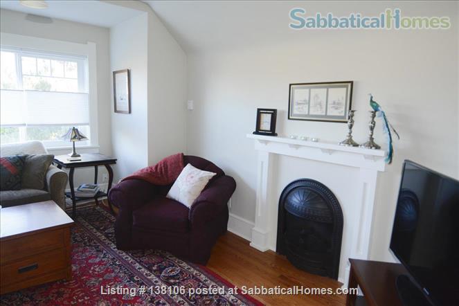 Cambridge By the Sea Home Rental in Victoria, British Columbia, Canada 9