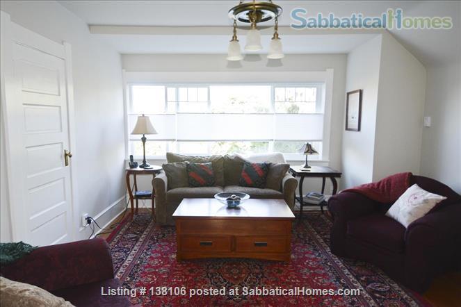 Cambridge By the Sea Home Rental in Victoria, British Columbia, Canada 7