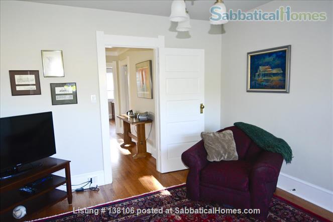 Cambridge By the Sea Home Rental in Victoria, British Columbia, Canada 8