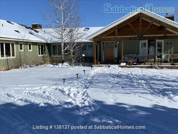 Beautiful location in rural Boulder County  20 minutes from Boulder Home Rental in Longmont, Colorado, United States 1