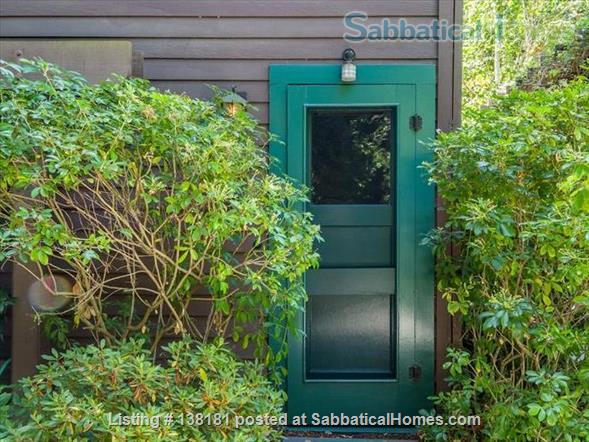 Garage apartment suitable for one person located in beautiful Old Palo Alto, CA Home Rental in Palo Alto, California, United States 2