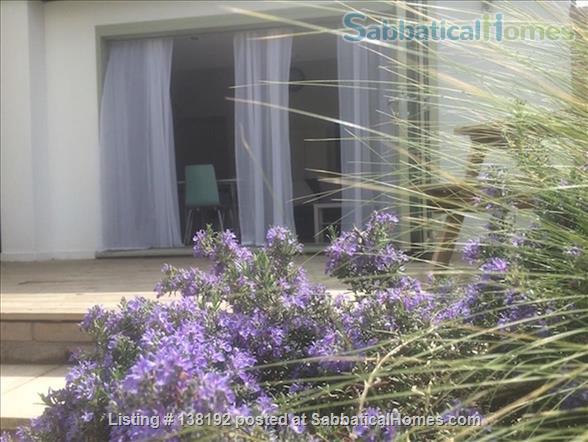 Modern City Centre Garden Apartment With Carport & Free Wi-fi Home Rental in Cambridgeshire, England, United Kingdom 2