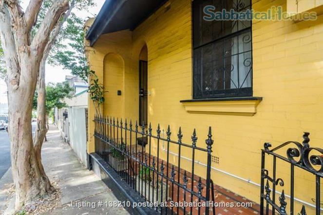 Historic 2 bedroom cottage, Newtown. Walkable creative  area. Walk to Sydney Uni, UTS, Notre Dame. Great lifestyle and transport at doorstep. 10 mins to city centre by train Home Rental in Newtown, NSW, Australia 3