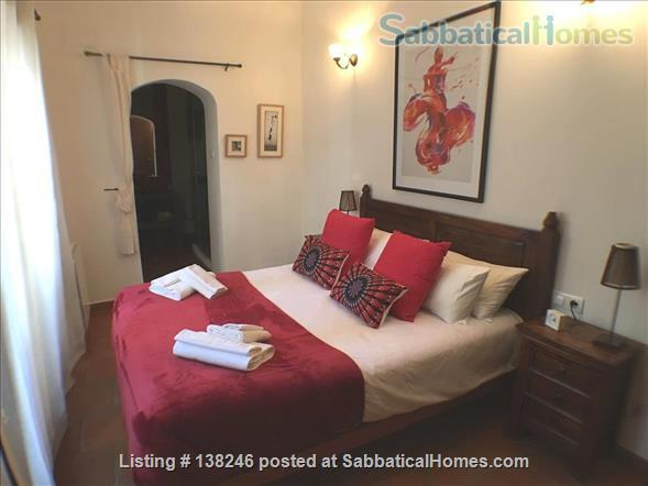 listing image for 3 bed luxury apartment with Alhambra views  in Albayzín, Granada.