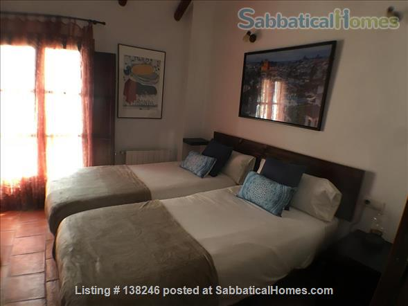 3 bed luxury apartment with Alhambra views  in Albayzín, Granada. Home Rental in Granada, Andalucía, Spain 4