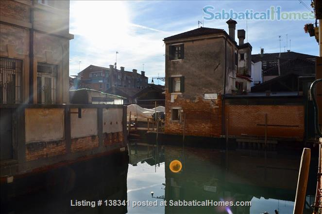 Spacious canal-side apartment in the Dorsoduro Home Rental in Venice, Veneto, Italy 0
