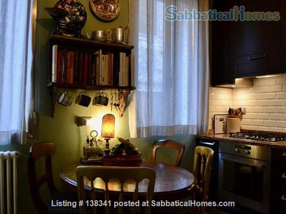 Spacious canal-side apartment in the Dorsoduro Home Rental in Venice, Veneto, Italy 6