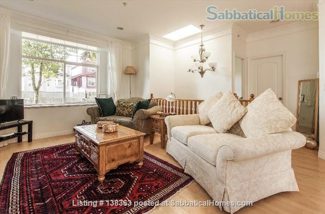 Vancouver Chateau. 3 Bedroom Home. Flexible Wk or Month Stays Min 1 Month. Home Rental in Vancouver, British Columbia, Canada 0