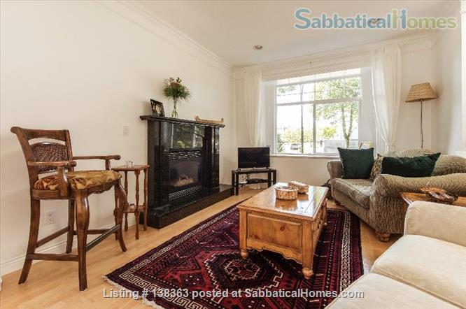 Vancouver Chateau. 3 Bedroom Home. Flexible Wk or Month Stays Min 1 Month. Home Rental in Vancouver, British Columbia, Canada 2