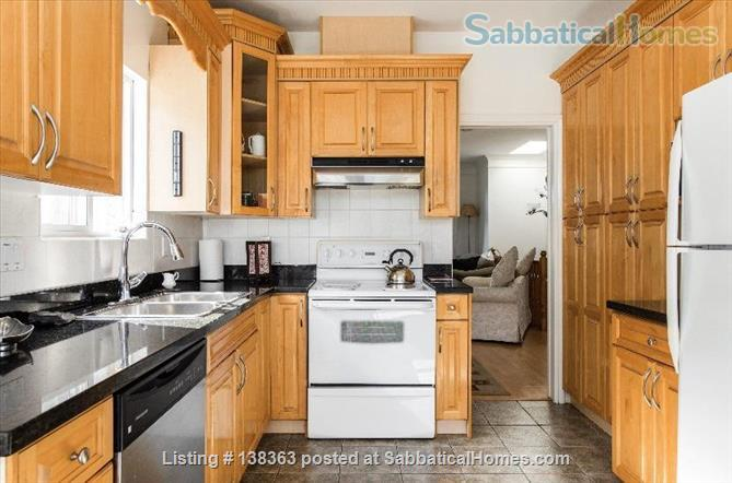 Vancouver Chateau. 3 Bedroom Home. Flexible Wk or Month Stays Min 1 Month. Home Rental in Vancouver, British Columbia, Canada 4