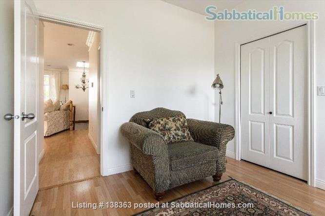 Vancouver Chateau. 3 Bedroom Home. Flexible Wk or Month Stays Min 1 Month. Home Rental in Vancouver, British Columbia, Canada 6