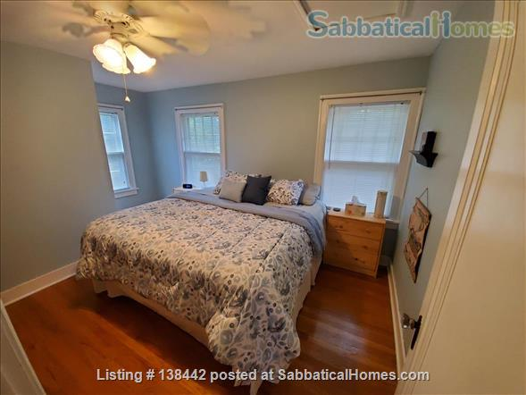 Charming Light Filled Home Near Campus Home Rental in South Bend, Indiana, United States 9