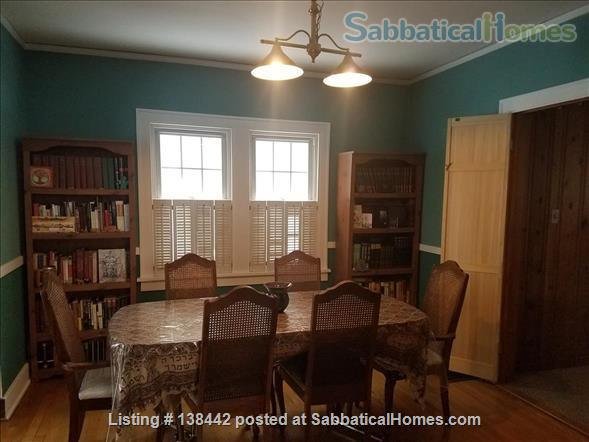 Charming Light Filled Home Near Campus Home Rental in South Bend, Indiana, United States 2