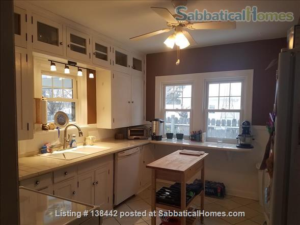 Charming Light Filled Home Near Campus Home Rental in South Bend, Indiana, United States 5