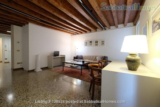 Silent apartement in the heart of Venice Home Rental in Venice, Veneto, Italy 3