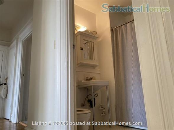 Beautiful Character Apartment in South Granville/Kitsilano Home Rental in Vancouver, British Columbia, Canada 7