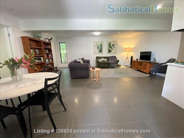 Urban Apartment Bush Retreat Home Rental in Bardon, Queensland, Australia 2