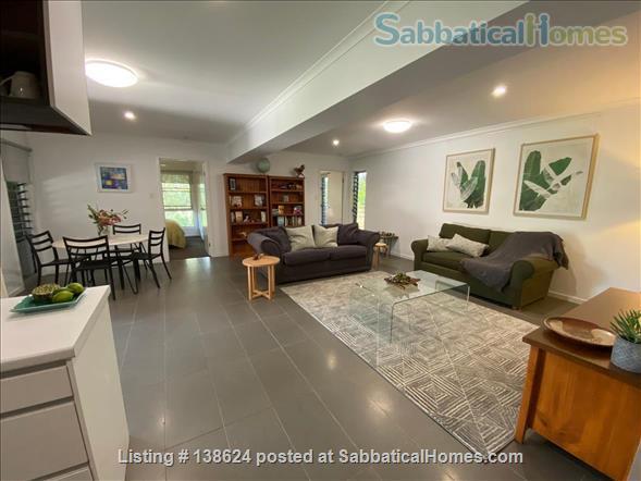 Urban Apartment Bush Retreat Home Rental in Bardon, Queensland, Australia 3