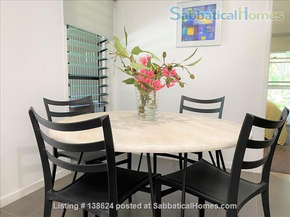 Urban Apartment Bush Retreat Home Rental in Bardon, Queensland, Australia 4